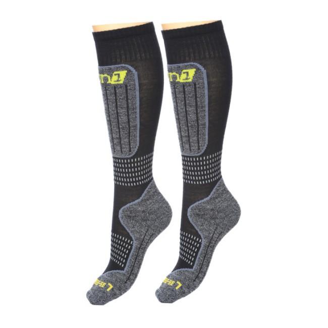 DELUNI tekniske skistrømper sikrer maksimal termisk regulering og komfort.Egenskaberabsorberer fugt og holder fødderne tørre.holder maximalt på varmenelastiske elementer i strømperne sikrer en perfekt pasformtrykabsorberende lag på kritiske områder.ikke-generende