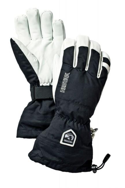 En legende indenfor Hestra skihandsker. En lidt længere skihandsker der kan lukke hullet mellem jakkeærme og handske 100 % grundet længden. En lækker skihandske til dig der ikke vil have sne i handskerne og som vil investere i en top skihandske.Ydermateriale: Vind-, vandtæt og åndbar.Masser af lækre features som karabin til at koble handskerne sammen med, håndledsstropper som er perfekte når du tager handskerne af i liften eller skal tage drømmebilledet af familien i sneen.