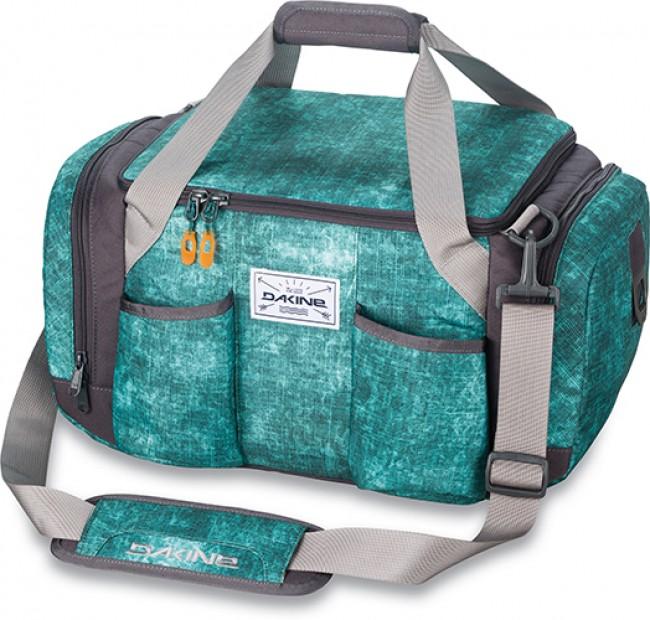 Isoleret dufflebag til at holde drinks kolde når I er på farten. Indbygget lomme til højtaler.Materiale: 600D PolyesterMål: 43cm x 28cm x 25cmRumfang: 22 liter