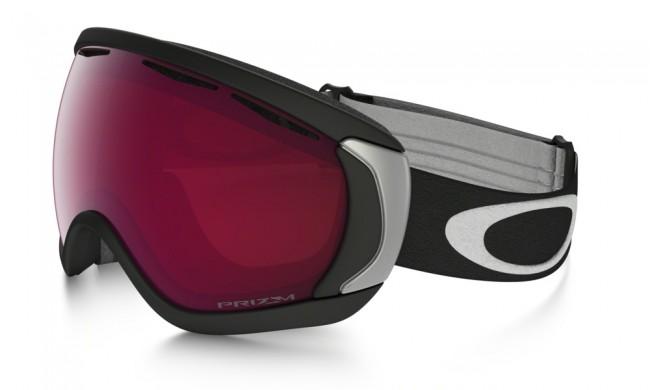 Ramme farve: Matte BlackLinse: Prizm RoseLækker Oakley skigoggle. Med PRIZM linse, som er en helt ny linse baseret på årtiers farveforskning, får du en bedre lystransmission, hvilket giver maksimal kontrastgengivelse.Oakley Canopy modellerne i skibriller er beregnet til dem der er nødt til at have briller på når de står på ski. Med andre ord en såkaldt OTG skibrille til brillebrugere. Canopy modellen er i et lækkert design med stort linseareal, og har dermed et stort og bredt synsfelt.Oakley Canopy er konstrueret således at skibrillen nemt går ud over dine almindelige briller uden at virke generende. Oakley Canopy er godt udstyret med rigelig ventilation så du undgår dug på både skibrillen og de almindelige briller.Rammen er fremstillet i det flexible og komfortable O Matter materiale.100% UV beskyttelse.Brillen kommer med en PRIZM Rose linse, som er fantastisk i overskyet vejr.