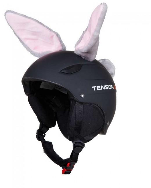 Hoxy Ears RABBIT er kaninører til skihjelmen, som let sætte fast. Med øerne bliver det et hit at køre med hjelm og det er nemt at genkende dit barn på bjerget. Pisterne forvandler sig til fantasiland og skidagen bliver en leg. Det er høj kvalitet og de tåler det barske vintervejr. Når skiferien er slut kan den bruges på cykelhjelmen, eller andre sportshjelme
