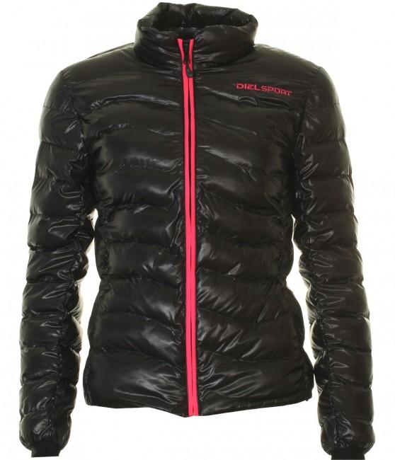 Denne DIEL dunjakke til damer er oplagt til brug som en flot og varm overgangsjakke, men egner sig ikke som skijakke. Det at jakken er isoleret med fiberdun gør, at den er langt nemmere at håndtere end en dunjakke i ægte dun, f.eks. når jakken skal tørre. Du får en let, hurtig tørrende og utrolig varm fiberdun jakke til en meget aktraktiv pris. En lækker og komfortabel jakke til den kølige årstid. Jakken vejer og fylder minimalt, når den er pakket sammen og er derfor nem at have med i f.eks. en rygsæk.Specifikationer:Tætsiddende damemodel.Lynlås i fuld længde2 lommer med lynlås foranSyet med brede kanaler, hvilket giver god varmeMateriale: 100% Poly Soft TaffetaIsolering: DYNTEX® MICRONIC® (syntetiske fibre)