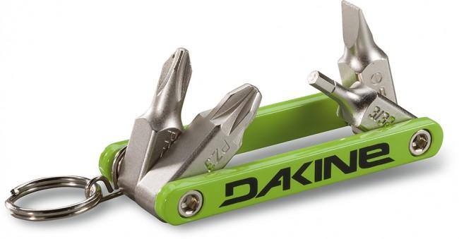 Dakine fidget tool er et lille stykke værktøj, der passer til en nøglering. Fidget tool er udstyret med de mest basale værktøjshoveder. Den kan nemt og hurtigt lave små justeringer på farten. Virker til de fleste ski og bindinger.Inkluderer:Miniværktøj til nøglering#2 phillips #3 posidrive 3/32