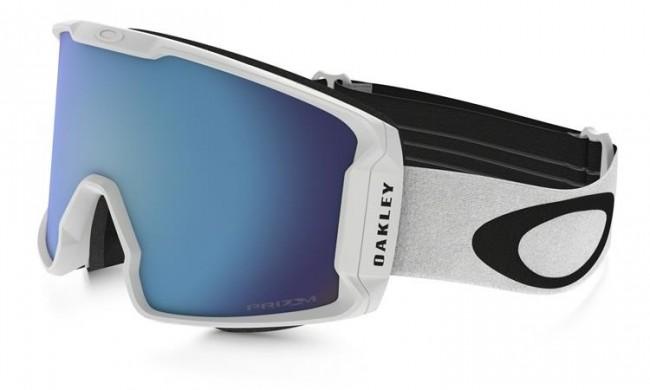 Denne oversize goggle sidder tættere på dit ansigt end nogen anden Oakley goggle. Den store linse giver fantastisk perifært udsyn i alle retninger.Det strømlinede design sikrer dig fuld hjelmkompatibilitet og passer over de fleste briller. Linsen er dugforebyggende med dobbelte linser og god ventilation og har Oakleys førende F3 behandling på den inderste linse som også modvirker dug.Med PRIZM linse, som er en helt ny linse baseret på årtiers farveforskning, får du en bedre lystransmission, hvilket giver maksimal kontrastgengivelse.Brillen kommer med en PRIZM Sapphire Iridium linse, som fungerer i alt slags vejr.Dette er en særlig Factory Pilot Whiteout model med et stilrent design og det originale Oakley logo på stroppen.