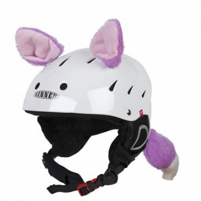 Hoxy Ears PUSSYCAT er katteører til skihjelmen, som let sættes fast. Med ørerne bliver det et hit at køre med hjelm og det er nemt at genkende dit barn på bjerget. Pisterne forvandler sig til fantasiland og skidagen bliver en leg. Det er høj kvalitet og de tåler det barske vintervejr. Når skiferien er slut kan den bruges på cykelhjelmen, eller andre sportshjelme.