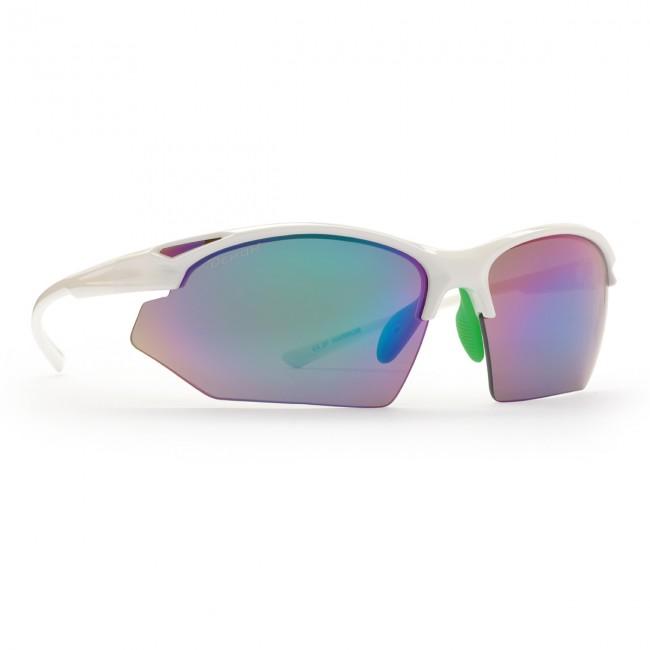 Solbriller i lækker kvalitet fra italienske Demon Occhiali.TR90 letvægtsramme - 20% lettere end traditionel plastic.Solbrillerne leveres med i alt 3 sæt udskiftelige linser.De ekstra der medfølger er: Orange Mirror og Clear Mirror100% UV beskyttelseBrillerne er ultralette og komfortable, og sidder perfekt på ansigtet, blandt andet takket være de justerbare næsehvilere. Fremragende solbriller til cykling, men også ideelle til løb og anden sport.Bredde mellem stænger (se illustration under billeder): 13,0 cm