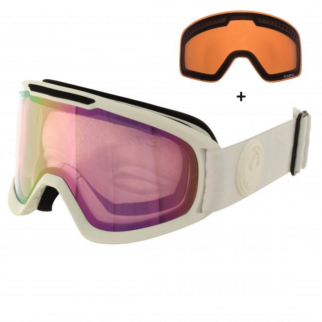 Dragon DX2 er videreudviklingen af den klassiske Dragon DX goggle. Her får du et stilrent klassisk design, med lækre features som dobbelt lag skum med microfleece lining, som gør brillen komfortabel mod ansigtet, og en mere kompakt størrelse end sin forgænger. Medium fit gør brillen lidt bedre til folk med små eller mellemstørrelse ansigter. Brillen er naturligvis hjelmkompatibel.Brillen kommer med en Ionized linse til solskinsvejr og en Pink Ion linse til snevejr - så er du dækket ind. De cylindriske linser giver et godt perifært udsyn. Linserne er 100% UV-beskyttende og belagt med anti-fog belægning på indersiden, så brillen aldrig dugger til.