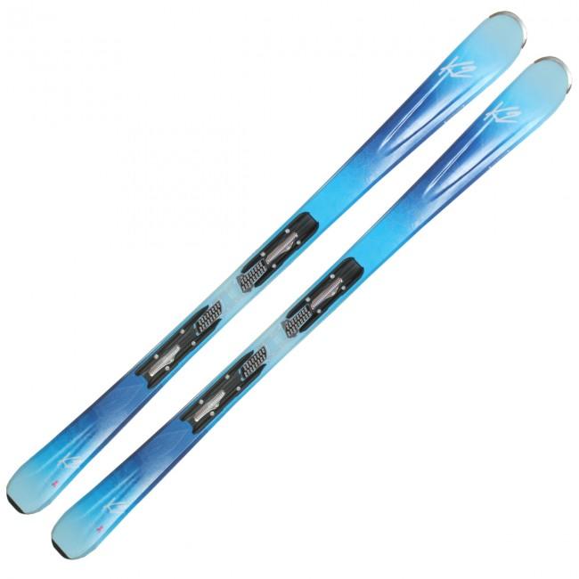 K2 Luv 75 er en blød og letkørt ski, som er skabt til dem, der vægter kontrol over fart. Den er således perfekt til kvinden, der skal til at lære at køre på ski, eller til den unge kvinde, som skal have sit første sæt voksenski.Skien er udstyret med rocker både for og bag, så den let kan køres, når sneen bliver dyb, opkørt eller besværlig. Desuden gør rockeren det rigtigt nemt at svinge i lige præcis det tempo, der passer dig.Specifikationer og features:Niveau: Til nybegyndere/let øvet. Dimensioner (spids til hale): 115 - 75 - 106 mmSvingradius: 14 m (ved 163 cm)Rocker i spidsenKerne af kompositmaterialeBinding: Marker ER3 10Pris inkl. binding og montering.OBS Levering:- Skiene sendes med GLS, hvilket tager 1-3 hverdage. Vær opmærksom på, at