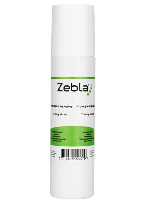 Bliv vandafvisende med Zebla Imprægneringsspray.Zebla Imprægneringsspray anvendes til effektiv lugtfri imprægnering af sko, støvler og tekstiler og anbefales til åndbart materiale som Gore-Tex®, Dermizax eller tilsvarende.Zebla Imprægneringsspray skaber eller genskaber vandtætheden i det behandlede fodtøj og tøj.Ved at bruge Zebla Imprægneringsspray opnås endvidere en vandafvisende og smudsafvisende effekt, samtidig med at materialets åndbarhed bevares.Produktet lugtfrit og er fri for fluorforbindelse og uden drivgasser og skader derfor ikke ozonlaget. Indholdsstofferne er samtidig skånsomme over for miljøet.Let at brugeZebla Imprægneringsspray er meget let at bruge. På fodtøj fjernes mest muligt snavs med en stiv børste. Den påføres i et jævnt lag over hele den ønskede overflade. Lad tørre. For optimal effekt gentages behandlingen. Lad tøjet eller fodtøjet tørre mindst 12 timer for at opnå den bedste virkning.Fri for fluorforbindelseParabenefriUden drivgasserFri for methylisothiazolin
