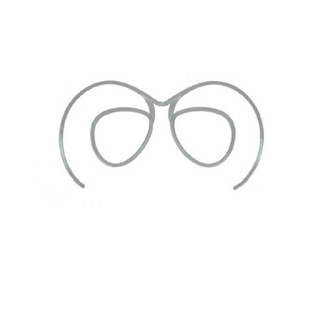En smart plastic clips som er beregnet til at få monteret brilleglas med styrke i.Tag denne clips med til din normale optiker, og få monteret glas med netop din styrke i den.Herefter kan Optical Clip sættes ind i dine Demon skibriller.En smart løsning på problemet med både at bruge almindelige briller og skibriller på én gang.