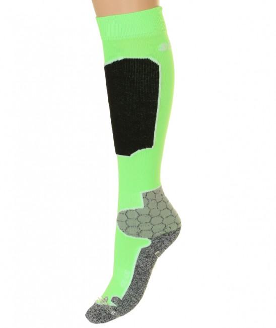 Seger Racer skistrømper til mænd er både slidstærke, varme og har et flot design samtidig med at prisen er utrolig favorabel.Elastiske områder, der sikrer god pasform Forstærkninger ved hæl og tå for højre slidstyrkeFlade syninger for god komfort.Forstærkning på skinneben som virker trykabsorberendeMaterialer: 23% skinlife, 39% polypropylene, 36% polyamid og 2% elestan.En god skisok til prisen!