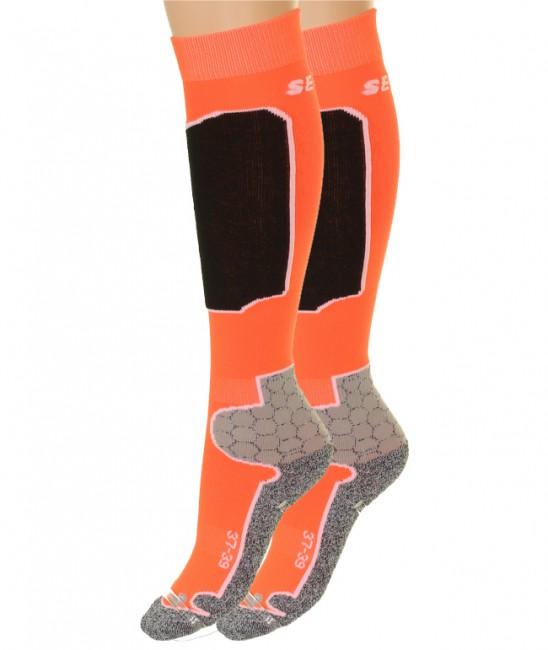 2 par Seger Racer skistrømper til mænd er både slidstærke, varme og har et flot design samtidig med at prisen er utrolig favorabel.Elastiske områder, der sikrer god pasform Forstærkninger ved hæl og tå for højre slidstyrkeFlade syninger for god komfort.Forstærkning på skinneben som virker trykabsorberendeMaterialer: 23 % skinlife, 39 % polypropylene, 36 % polyamid og 2 % elestan.En god skisok til prisen!