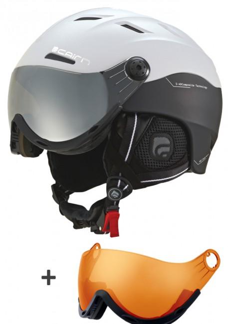 Den perfekte hovedbeskyttelse til alle, der bærer briller og som ofte har svært ved at finde skibriller der sidde godt og komfortabelt over brillerne. Høj kvalitet og gode detaljer er kendetegnene ved Cairn Spectral Visor hjelmen. Visiret kan bevæges trinløst op og ned, for at opnå et perfekt udsyn.Det Smoke farvede visir sikrer dig beskyttelse mod vind og vejr, og forbedrer dit udsyn markant under alle lysforhold, og fjerner reflekser og genskin. Erstatter fuldt ud et par skigoggles under langt de fleste vejrforhold. Der medfølger ekstra Orange visir, der er god til overskyet vejr.Dette gennemtænkte koncept kombinerer to af de vigtigste beskyttelseselementer i kun ét produkt. En løsning, der ikke kun er fornuftig, men også nemmere at bruge.Egenskaber:Skal: Hybrid.Anatomisk formet foring med anti-allergisk polstring. Hjelmen er let at tilpasse til dit hoved med
